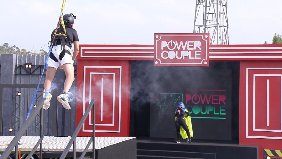 """Prova dos homens no """"Power Couple"""" - Divulgação/Record TV"""