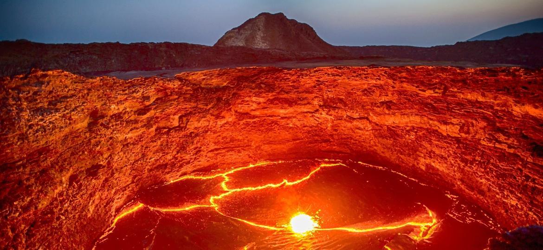 """Vulcão Erta Ale, um dos mais ativos do mundo, na região conhecida como """"Portão do Inferno"""", na Etiópia - Getty Images/iStockphoto"""