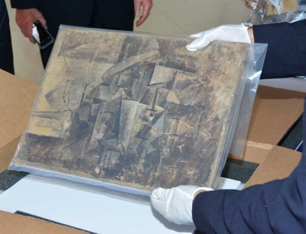 """""""La Coiffeuse"""" foi encontrado em encomenda da FedEx listado como item de US$ 37 - AFP Photo"""