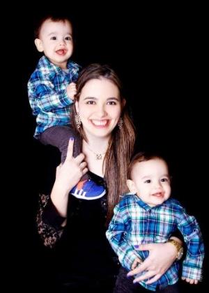 Larissa teve gêmeos, apesar do câncer - Arquivo Pessoal