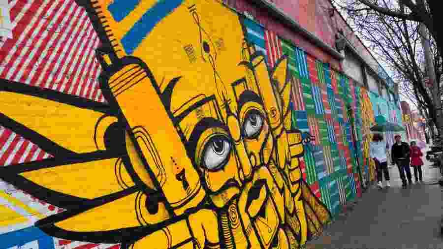 Muro grafitado no bairro do Bronx, em Nova York - Don Emmert/AFP