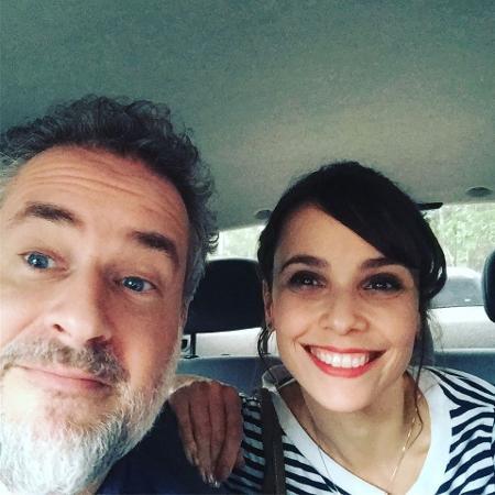 Dan Stulbach dá carona a Débora Falabella - Reprodução/Instagram