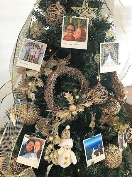 A ávore de Natal de Marina Ruy Barbosa com vários cliques ao lado do marido, Xande Negrão - Reprodução / Instagram