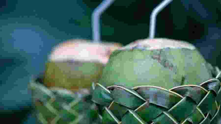 Água de coco ajuda na hipertensão e saúde dos rins - Getty Images