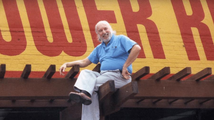 Russ Solomon, fundador da Tower Records, morreu aos 92 anos - Reprodução/YouTube