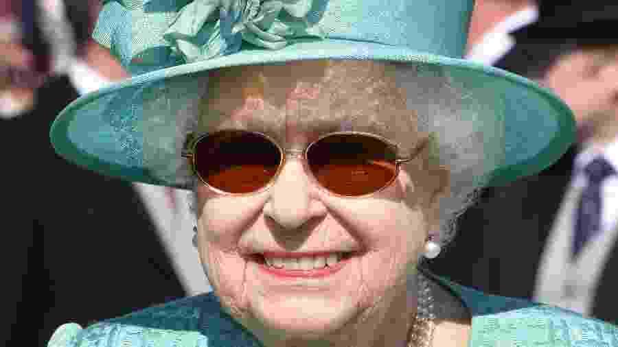 A rainha Elizabeth durante evento nos jardins do palácio de Buckingham em 15 de maio - Getty Images