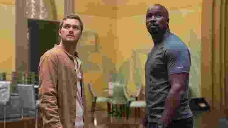 """Danny Rand (Finn Jones), o Punho de Ferro, e Luke Cage (Mike Colter) em cena da segunda temporada de """"Luke Cage"""" - David Lee/Netflix - David Lee/Netflix"""