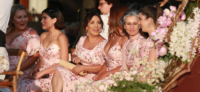 Entre as madrinhas da noiva Camila Queiroz estavam as atrizes Vanessa Giácomo e Cássia Kiss - Dilson Silva/Agnews