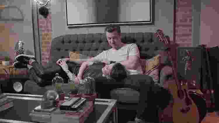 Sandy e seu marido - Reprodução/YouTube - Reprodução/YouTube