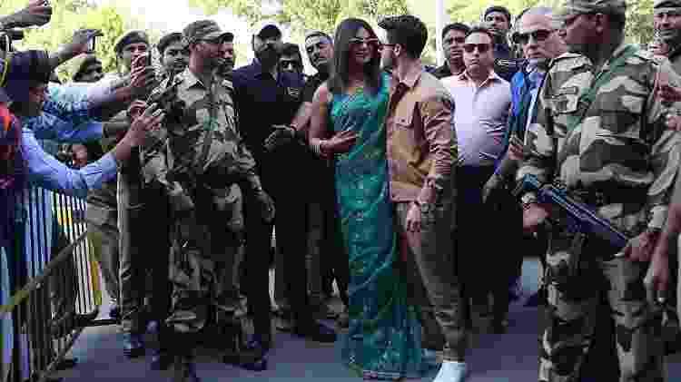 Priyanka Chopra e Nick Jonas posam no aeroporto de Jodhpur - Reuters - Reuters