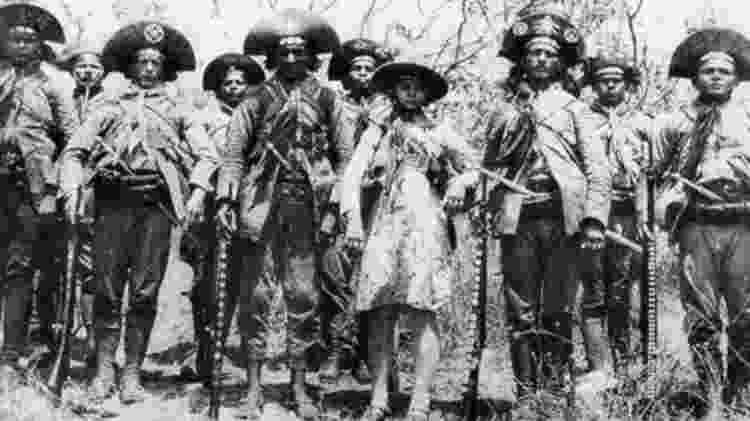 Lampião (centro, ao lado de Maria Bonita) era famoso pela crueldade com suas vítimas  - Gesp - Gesp