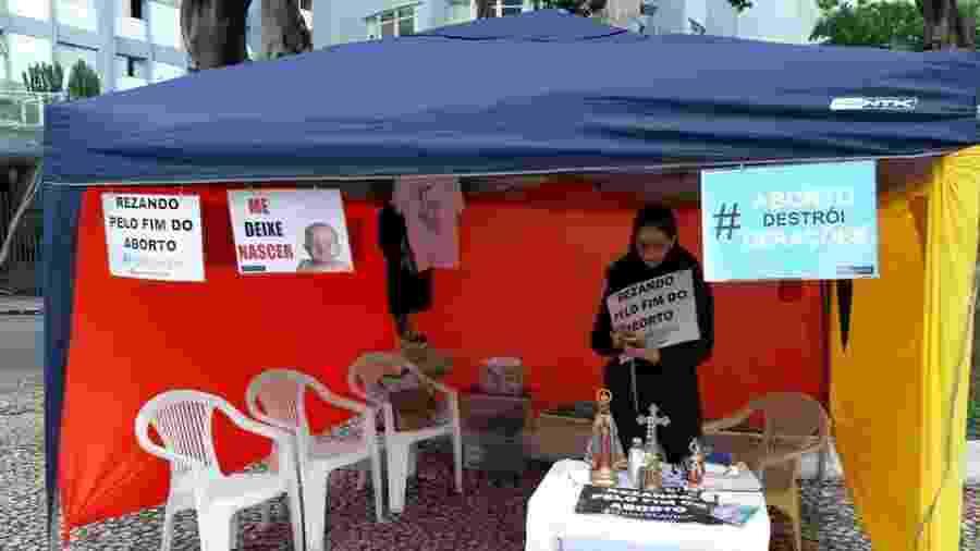 Grupo contra o aborto em mobilização em frente ao hospital Pérola Byington, em São Paulo - Reprodução/Facebook