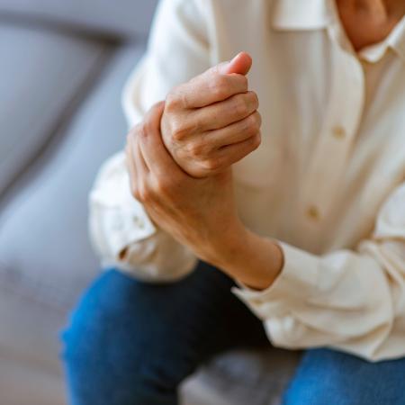 Pacientes com artrite reumatoide assintomática apresentaram maiores temperaturas nos dedos e nas mãos - iStock
