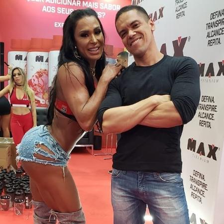 Gracyanne com o advogado Marcelo Bastos - Acervo Pessoal