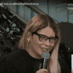 Marília Mendonça se diverte após esquecer letra de própria música em live - reprodução/YouTube