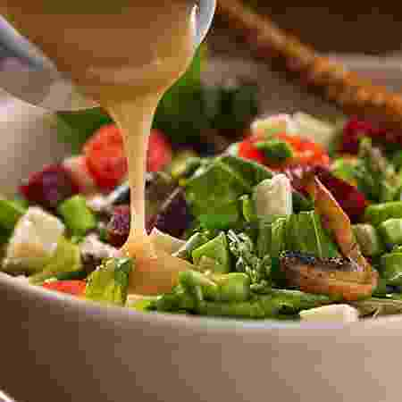Salada com molho - iStock - iStock