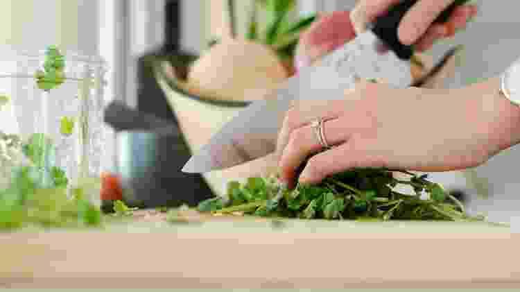 Imagem representativa AMP Receitas para cozinhar com talos, cascas e sementes -  Alyson McPhee/Unsplash -  Alyson McPhee/Unsplash