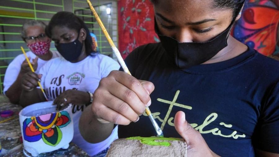 ONG criou cooperativas de minhoqueiras, composteiras domésticas e de vasos artísticos - Agência JCMazella