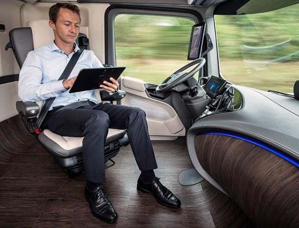 Marcas querem acelerar desenvolvimento de autônomos; marcas como a Mercedes já possuem protótipos até de caminhões que se locomovem sem ação do motorista - Divulgação