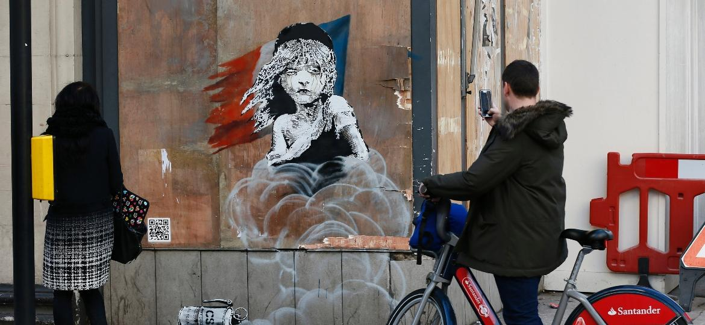 Obra de Banksy em Londres - Stefan Wermuth/Reuters