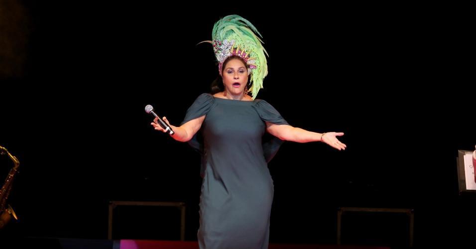 15.fev.2017 - Fafá de Belém foi uma das convidadas do Show de Verão da Mangueira, realizado no Tom Brasil, em São Paulo