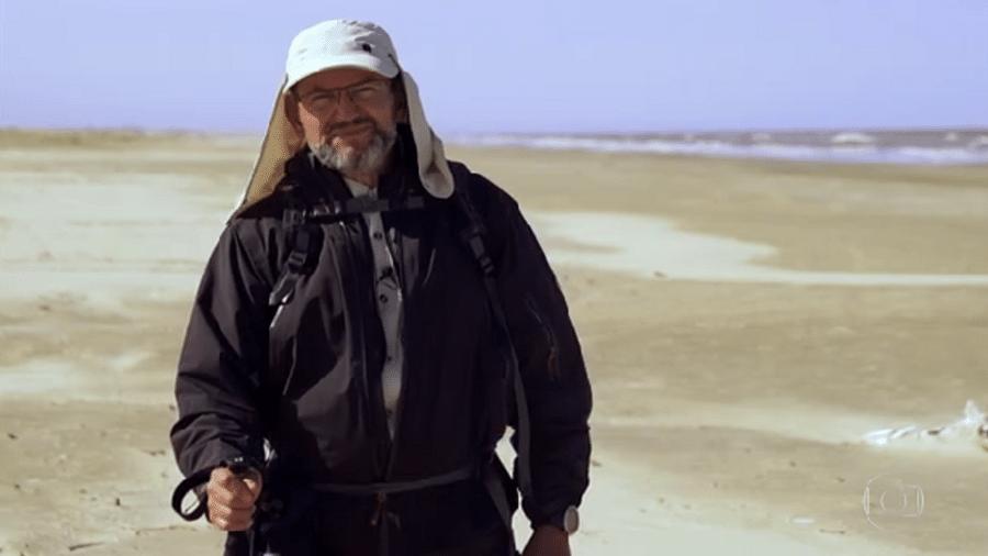 O jornalista da Globo Ernesto Paglia superou 235 km a pé em sete dias, percorridos entre o balneário do Cassino à fronteira com o Uruguai - Reprodução/TV Globo