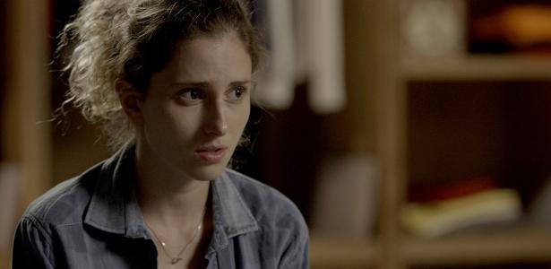 """Ivana (Carol Duarte) se consulta com psicológa em """"A Força do Querer"""""""
