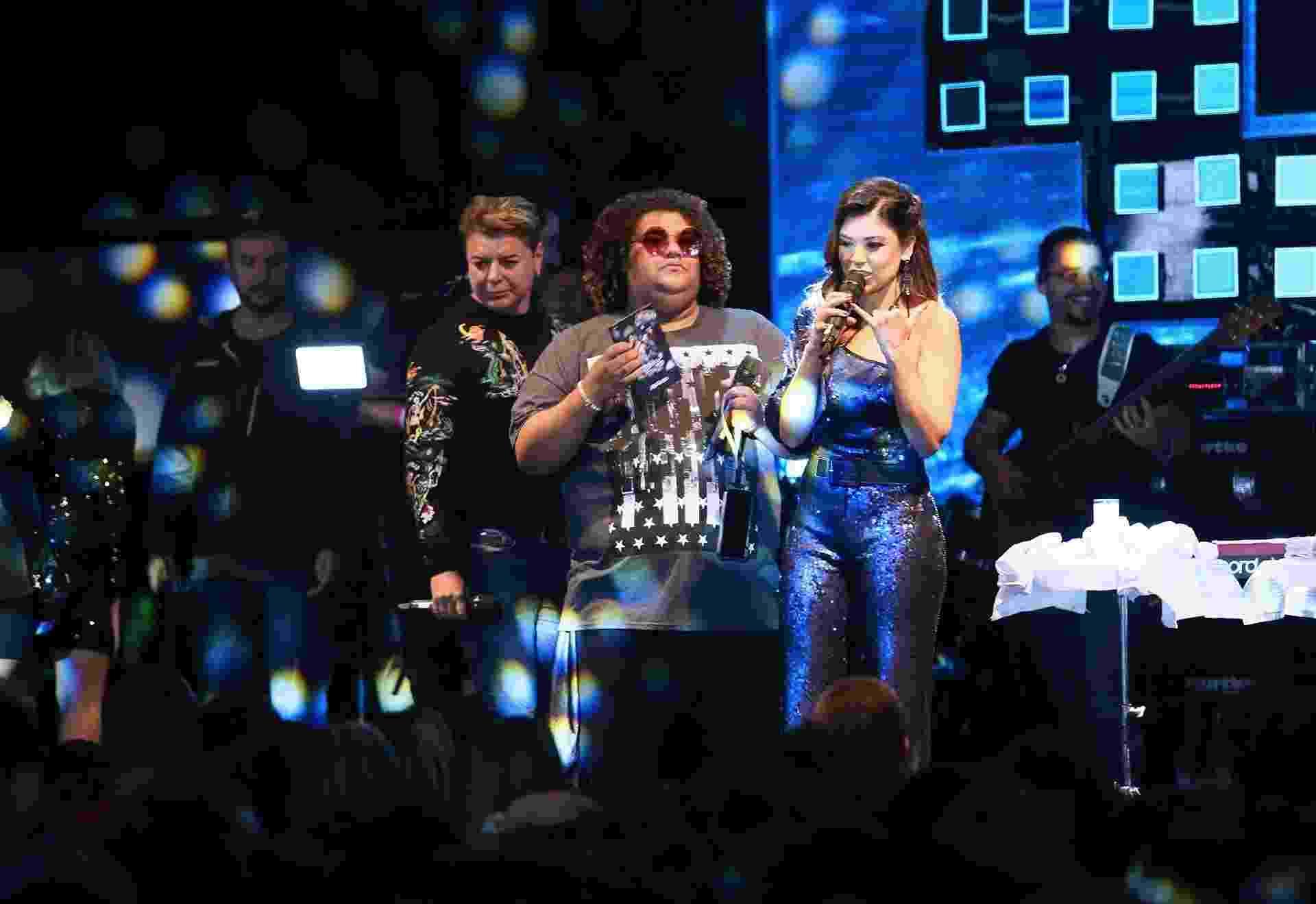 David Brazil, Gominho e Amanda Françozo comandam o pré-show de Jorge & Mateus em São Paulo - Iwi Onodera/UOL