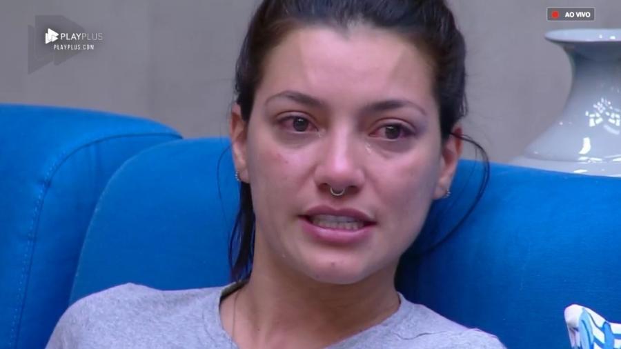Gabi Prado chora após saída de Ana Paula Renault  - Reprodução/RecordTV