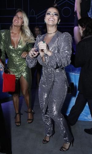 Giovanna Ewbank e Viviane Araújo se divertem na pista de dança