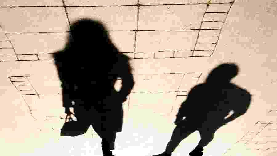 Você pode ajudar mulheres em situação de risco na rua - iStock