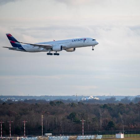 Valor do bilhete, explica empresa, será automaticamente mantido como crédito para futuras viagens - Getty Images