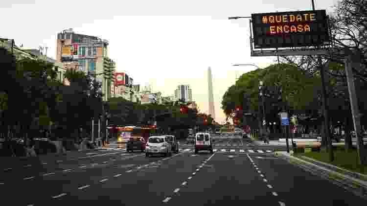 #quedateemcasa: o pedido de ficar em casa deixou a famosa avenida 9 de Julio quase vazia - Getty Images