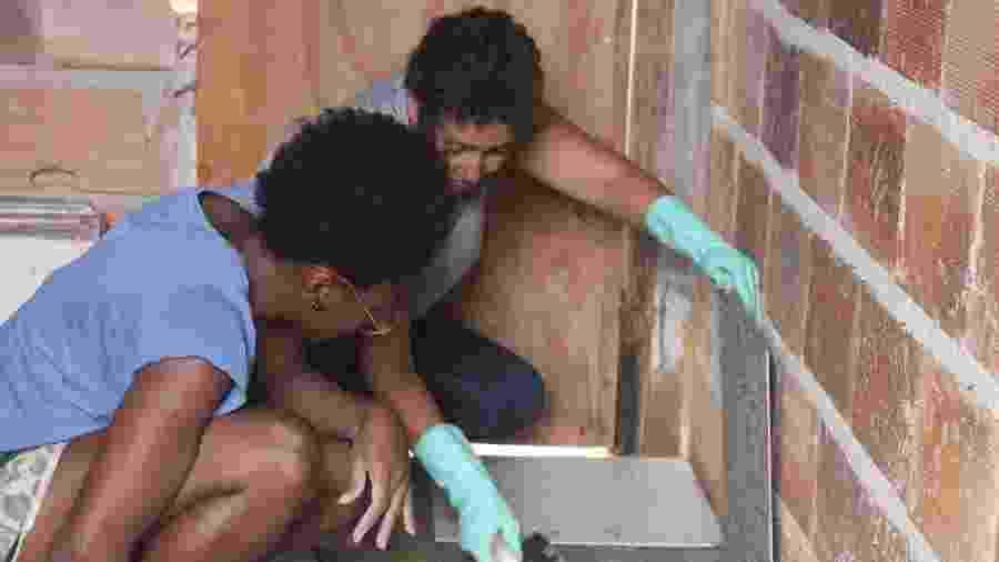 Cenir e Chay trabalham em obra em Belo Horizonte - Divulgação/ Arquitetura na Periferia