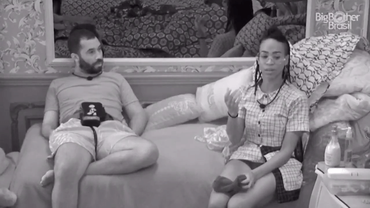 BBB 21: Karol fala sobre Juliette no quarto colorido - Reprodução/Globoplay - Reprodução/Globoplay