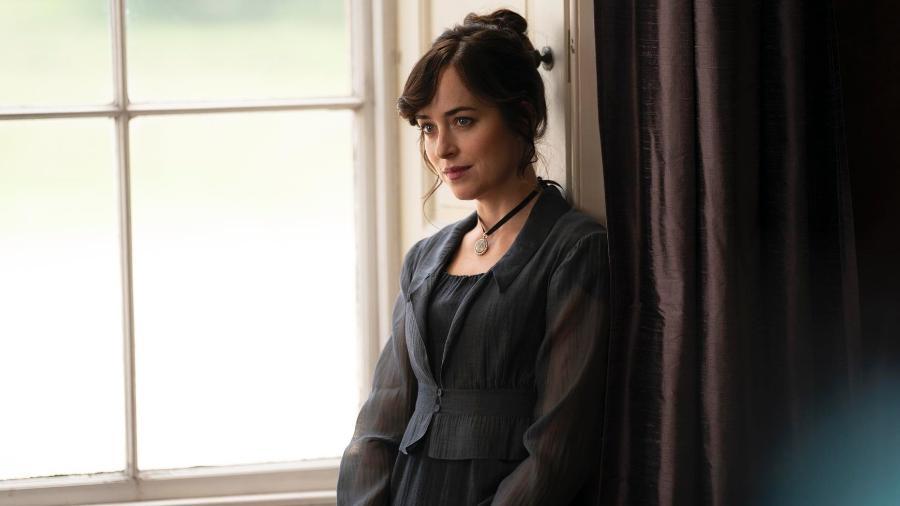 """Dakota Johnson em """"Persuasão"""", adaptação de Jane Austen para Netflix - Reprodução/Netflix"""