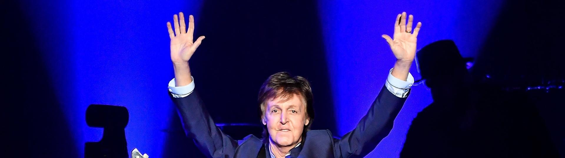 13.abr.2016 - Paul McCartney abre sua turnê