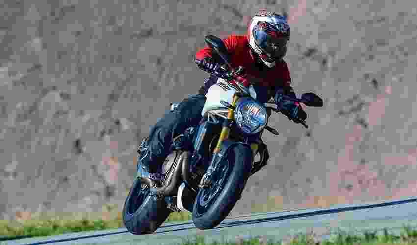 Ducati Monster 1200S - Doni Castilho/Infomoto
