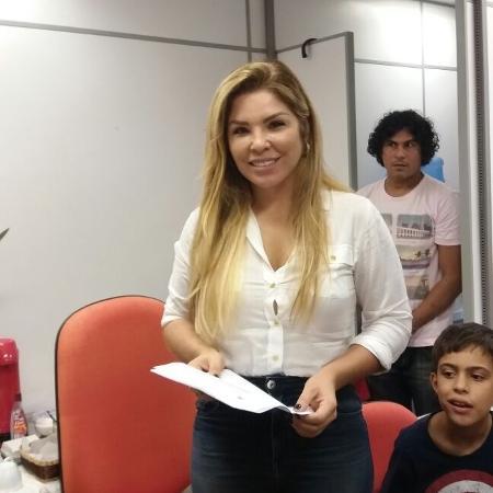 Verônica classificou de irresponsável a notícia de que seria a proprietária de ex-mansão de Xuxa - Ana Cora Lima/UOL