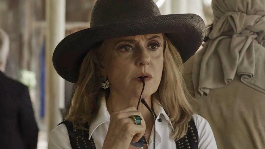 """Sophia (Marieta Severo) tem ciúme do amante em """"O Outro Lado do Paraíso"""" - Reprodução/GShow"""