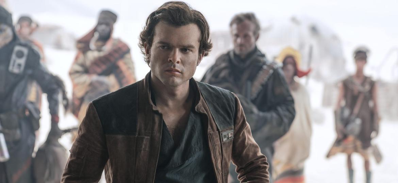 Alden Ehrenreich na pele do caçador de recompensas Han Solo - Reprodução