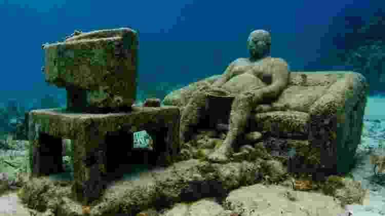 """Obra de arte """"Inércia"""" é um dos destaques do Museu Subaquático de Arte, no Caribe mexicano - Divulgação/Museu Subaquático de Arte/Jason deCaires Taylor/The Stills - Divulgação/Museu Subaquático de Arte/Jason deCaires Taylor/The Stills"""