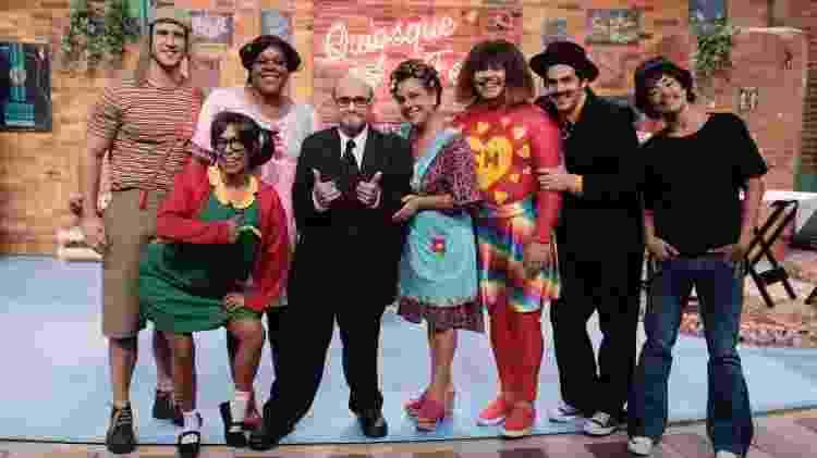 """Elenco de """"Vai que Cola"""" se veste como os personagens de """"Chaves"""" em episódio com participação de Edgar Vivar, o Sr. Barriga - Juliana Coutinho/Multishow - Juliana Coutinho/Multishow"""