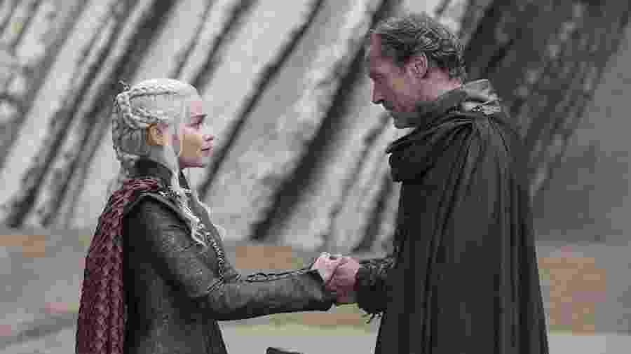 """Emilia Clarke como Daenerys e Iain Glen como Jorah em """"Game of Thrones"""" - Divulgação/IMDb"""