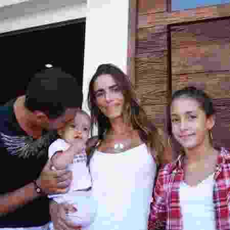 Vera com os filhos Giovanni, Giuliana e Maria Luiza, a caçula - Arquivo pessoal
