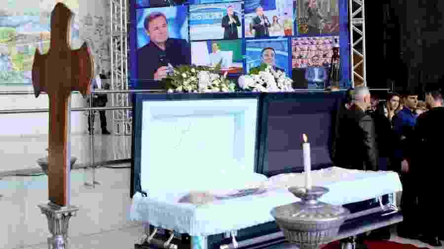 Corpo de Gugu Liberato foi exibido em caixão aberto durante velório - Francisco Cepeda e Thiago Duran/AgNews
