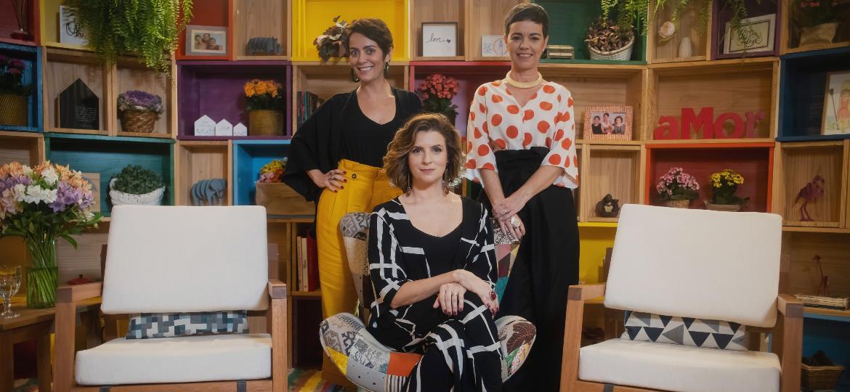 """Ao lado de Ivana Portella e Stella Rangel, a apresentadora do """"Santa Ajuda"""" (GNT) Micael Góes dá dicas de como deixar a casa e a rotina arrumadas - Divulgação"""