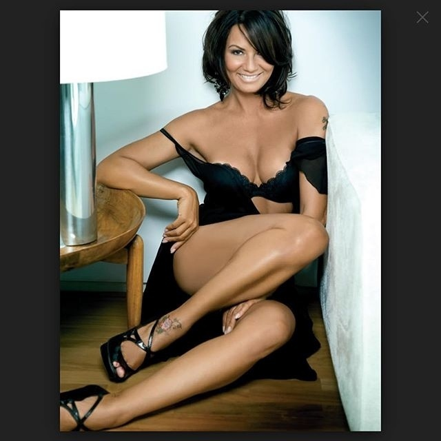 Luiza Brunet conta que lança mão de tratamentos e procedimentos estéticos para manter beleza
