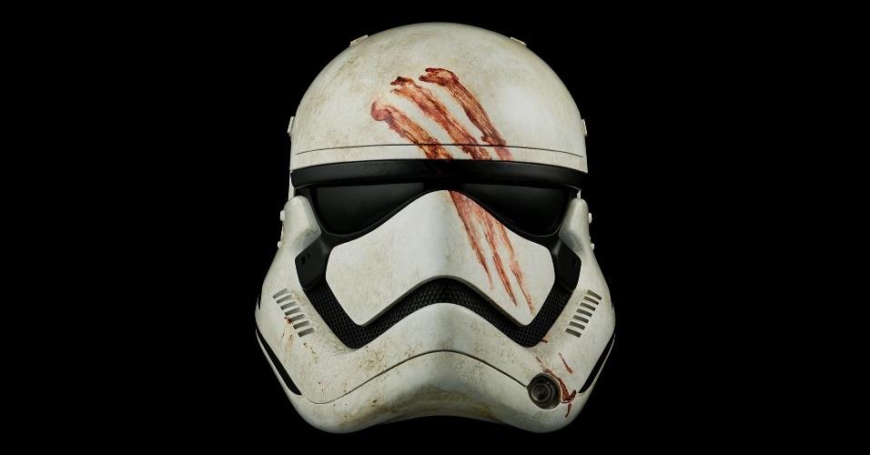 O capacete utilizado por Finn enquanto era um Stormtrooper também está entre os itens. O preço? US$ 1.750, com tiragem limitada em 500 unidades
