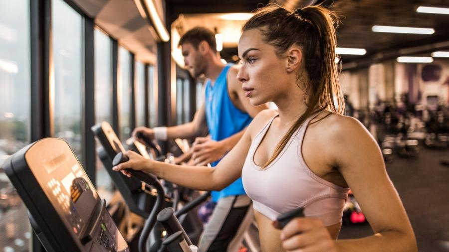 elíptico, academia, treino, exercício - iStock